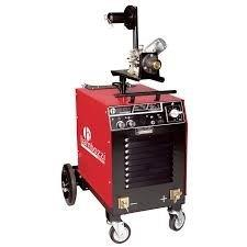 Manutenção em máquina de solda MIG